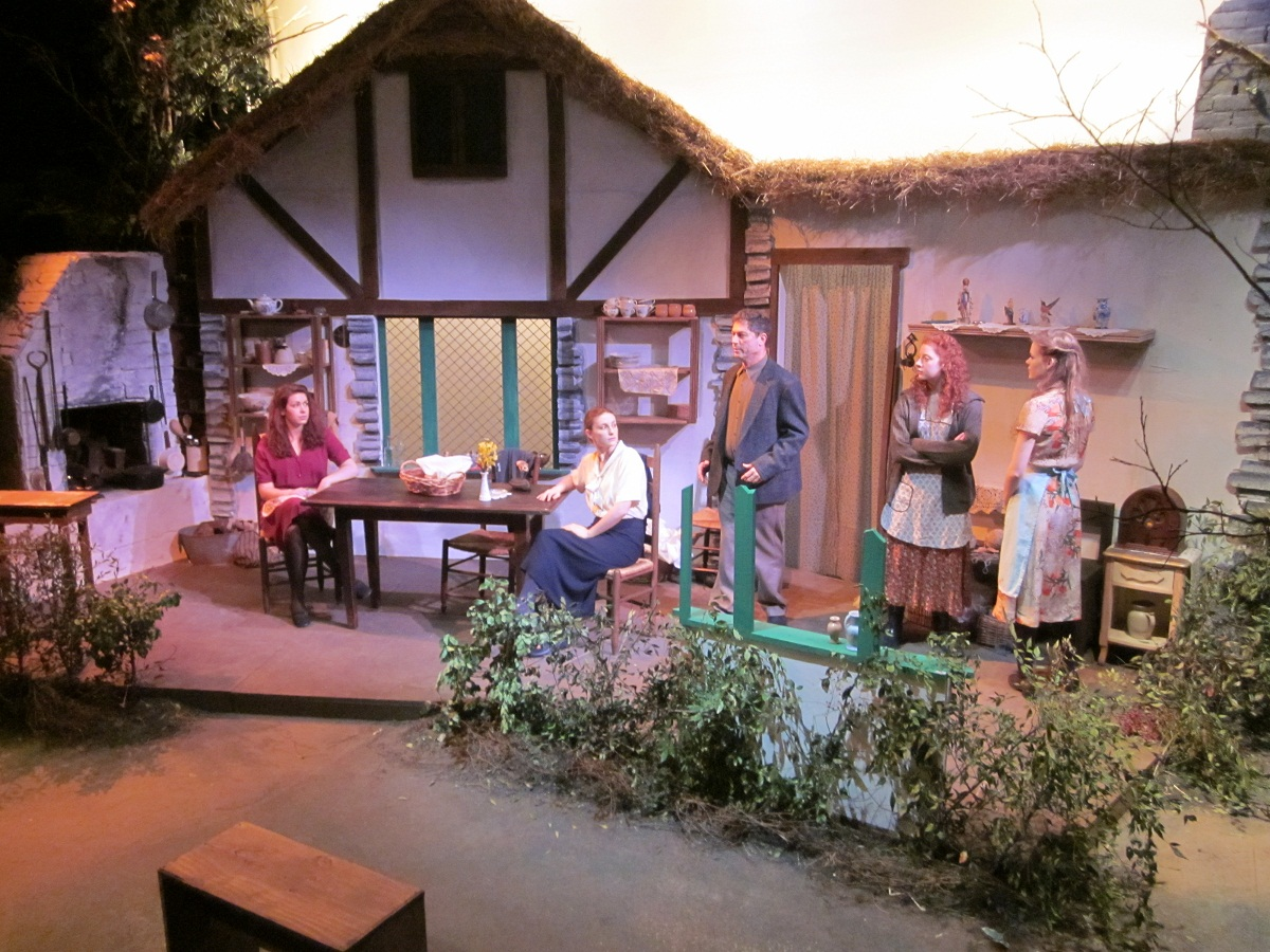 Dancing_at_Lughnasa1